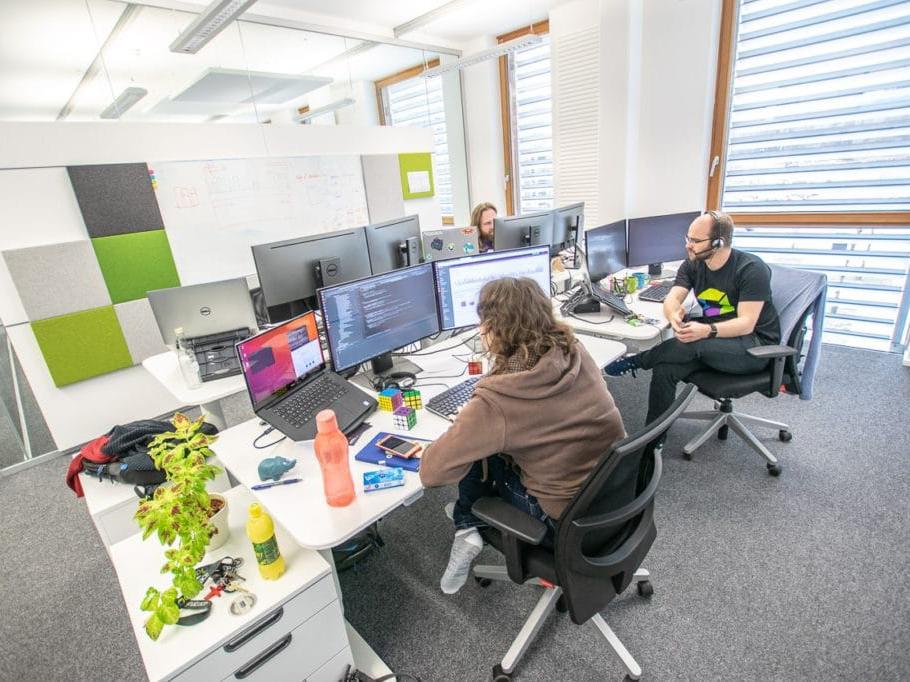 Home Office in einem modernen IT-Unternehmen